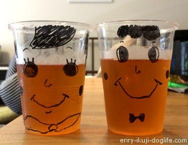 プラカップに絵を描いて麦茶を注いでみました